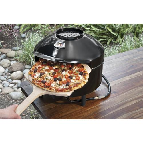 Taking Pizza out from Pizzacraft PC6000 Pizzeria pronto garden oven