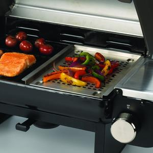 Close up view of Cuisinart All-Foods Portable Propane Gas Grill