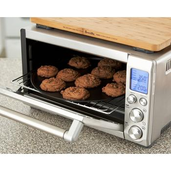 Photo of cookies baking with high performance toaster convection oven