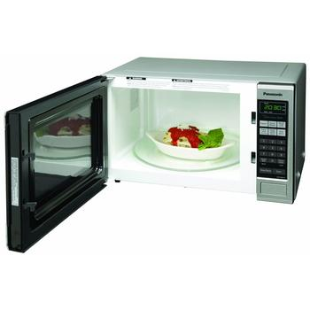 Spacious interior of 2015 best microwave